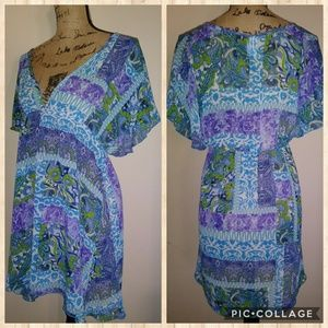 Kenneth Cole Coverup -- Size Small